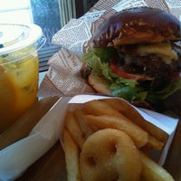 Photo taken at HOLLYWOOD BURGER by Hiromi N. on 5/2/2013