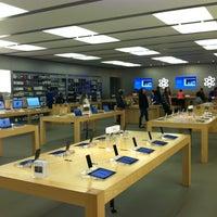 Foto scattata a Apple Haywood Mall da Randall C. il 3/11/2013