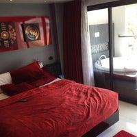 Photo taken at Absolute Bangla Suites, Phuket by satiwas p. on 2/1/2014
