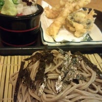 Photo taken at Ume Tei Japanese Restaurant by Hui Lee on 3/22/2013