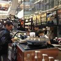 Снимок сделан в Starbucks пользователем Ludmila N. 4/27/2013