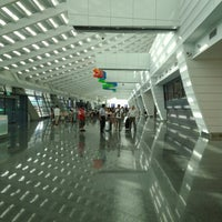 Photo taken at Taiwan Taoyuan International Airport (TPE) by 興成 丘. on 8/28/2013