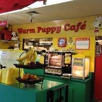 Photo taken at Warm Puppy Cafe by Shinichiro H. on 5/3/2013