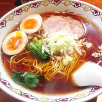 Photo taken at ラーメン六弦 by Hiro M. on 4/11/2013