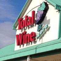 Photo prise au Total Wine & More par Randy P. le11/19/2012