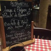 Photo prise au Amadeus Café par Rene N. le3/31/2016