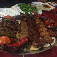 Photo taken at Tarihi Adana Kazancılar Kebapçısı by Sezgi on 12/14/2012
