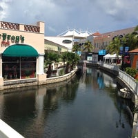 Foto tomada en La Isla Shopping Village por Marcelo B. el 10/11/2012