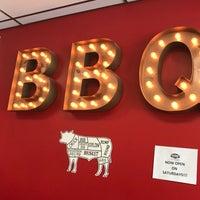 Foto tomada en Hattie Marie's Texas Style BBQ & Cajun Kitchen por Tony D. el 5/10/2018