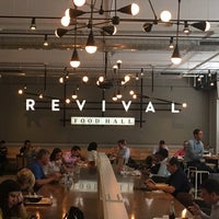 Foto scattata a Revival Food Hall da Cary Ann F. il 7/24/2017