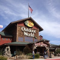 Photo taken at Bass Pro Shops Outdoor World by Tiara D. on 3/23/2013