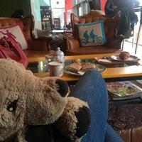 Photo prise au Mad Dog Cafe Haus par Józsa D. le10/3/2017