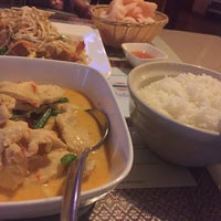 Photo taken at Thailand Restaurant by Mohammad B. on 9/10/2015