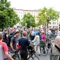 Das Foto wurde bei Critical Mass Berlin von Critical Mass Berlin am 5/30/2015 aufgenommen