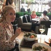 Das Foto wurde bei RH Rooftop Restaurant von Laura C. am 9/23/2018 aufgenommen