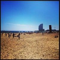 Foto tirada no(a) Praia da Barceloneta por Svetoslav B. em 5/5/2013
