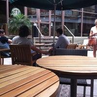 Снимок сделан в Starbucks пользователем Eric H. 10/27/2012