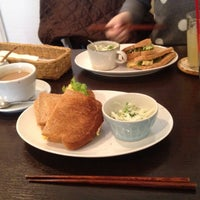 Photo taken at T's cafe-note by Eishi T. on 3/22/2014
