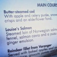 Das Foto wurde bei Louise Restaurant & Bar von Maurice H. am 8/20/2013 aufgenommen