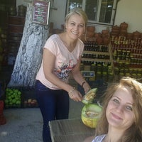 Photo taken at İsmail'in kavun dükkanı by Simge Ç. on 9/17/2016