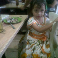 Photo taken at Bakso Bakwan Malang (BBM) OKE by Darto K. on 2/10/2013