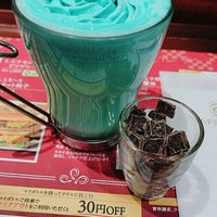 Photo taken at CAFÉ de CRIÉ 道玄坂上店 by Satsuki K. on 1/21/2017