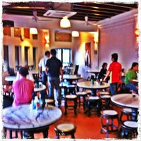 Photo taken at Kim Lian Kee Restaurant (金莲记) by Yeh 😍⚽🏀🍻🍔🍱🍣😍 on 9/27/2012