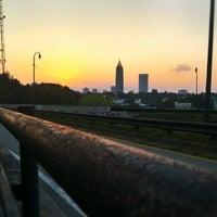 Das Foto wurde bei Freedom Park Trail at the Atlanta BeltLine von Eddie R. am 9/7/2013 aufgenommen