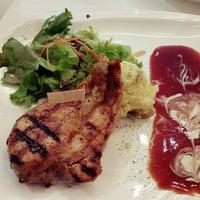 Photo taken at 3G Food Gallery by Jiah Hui on 7/29/2014