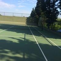 Photo taken at Performans Tenis Akademisi Cemile Sultan Korusu by Serkan H. on 6/4/2016
