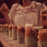 Photo prise au Azuki Sushi par Ron V. le5/15/2015