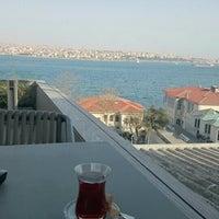 Photo taken at Nixon Bosphorus Hotel by Cansu Akkal 🌸 on 4/18/2015