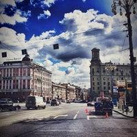 Снимок сделан в Пушкинская площадь пользователем Nick V. 4/26/2013