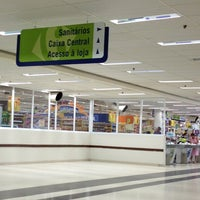 Photo taken at Carrefour by Vinicius F. on 9/14/2013