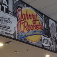 Photo taken at Johnny Rockets by Luis A. on 1/14/2015