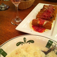 Photo taken at Olive Garden by Hugo T. on 1/13/2013