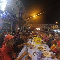 Photo taken at Restoran Air Buah Gelas Besar by Shahrul F. on 3/25/2017