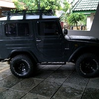 Photo taken at Showroom Lebih Satu.Spesialis Mbl 4wd by Yunus Anggara on 11/3/2012