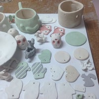 Photo taken at Taller de Ceramica Huellas De Agua by Ori T. on 10/3/2014