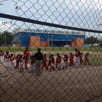 Foto tomada en Centro Deportivo Revolucion por Annie C. el 6/11/2013