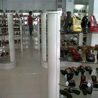 Photo taken at Ferina Shoes by Yen M. on 4/28/2013