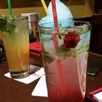 Photo taken at Boston Pizza by Isserly on 1/15/2017