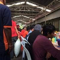 Photo taken at Medan Selera Seksyen 15, Shah Alam by Amir F. on 8/9/2016