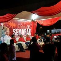 Photo taken at Dataran Darulaman by Petah Wazzan I. on 5/16/2017