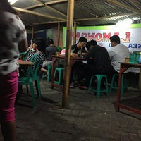 Photo taken at Warung Lamongan Seafood by Achmad R. on 6/19/2013