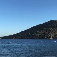 Foto diambil di Olympos Mocamp Beach Club oleh Gülçin Y. pada 9/13/2017