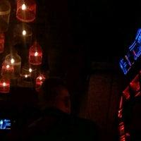 Foto tomada en Native Social Bar por Jaimie Z. el 2/3/2013