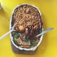 Photo taken at Restoran Gulai Wangi by Shweta R. on 2/7/2016