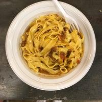 รูปภาพถ่ายที่ la pasta fresca raimondo mendolia โดย Jessica A. เมื่อ 6/22/2017