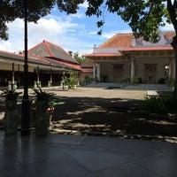 Photo taken at Bangsal Srimanganti Kraton Yogyakarta by Susumu K. on 4/28/2014